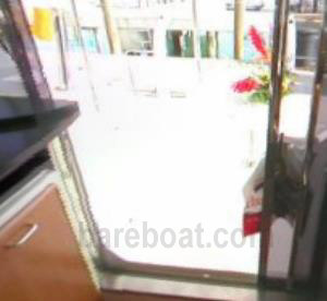 Sliding doors to aft deck