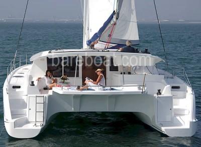 Charter catamarani
